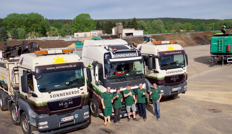 2 4-Achs-Kran LKWs und ein Sattelzug von Sonnenerde