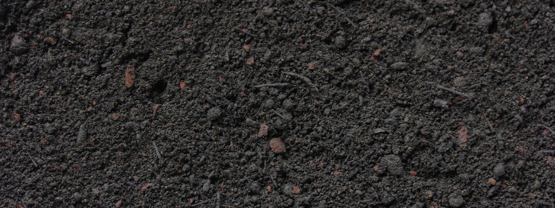 Bio Schwarzerde von Sonnenerde, Detailfoto von der Erdenstruktur